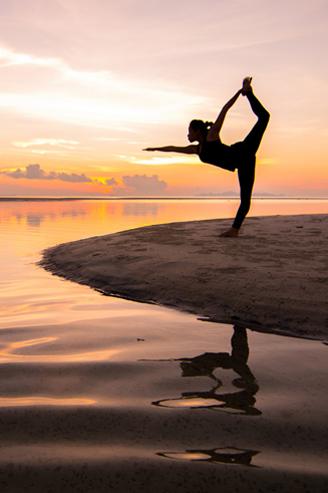Bali-sunrise-pose