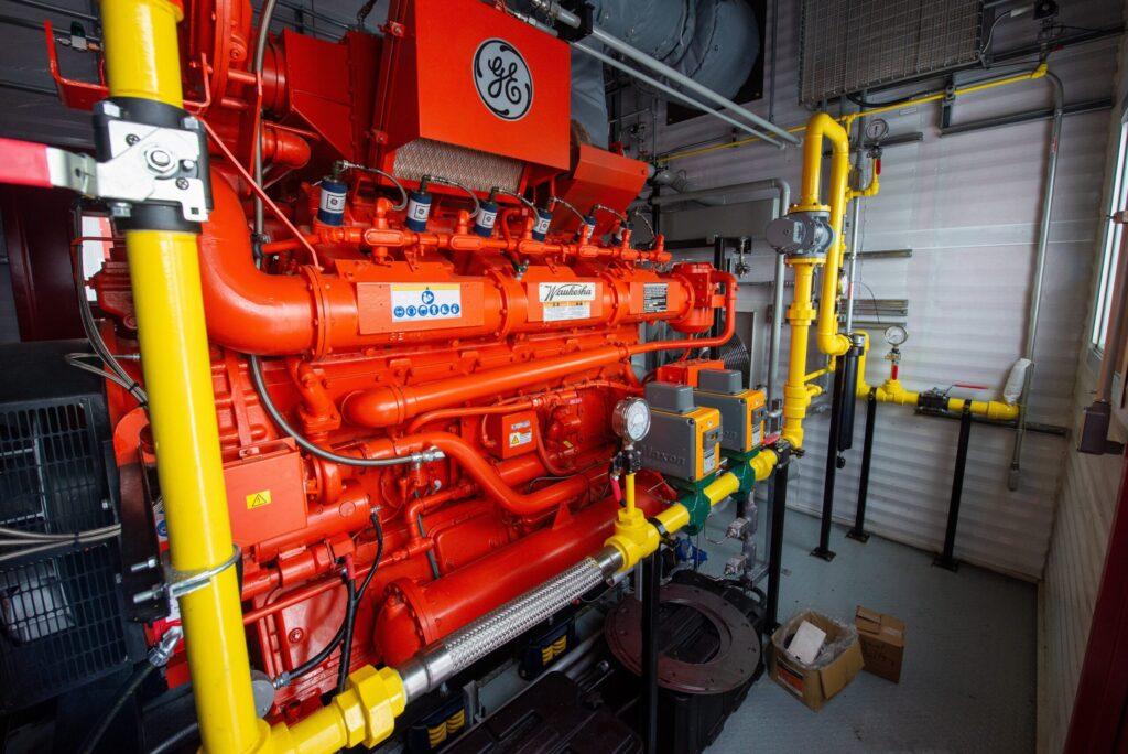 GS38-–-600kW-Natural-Gas-Power-Generator-Roska-DBO-Rental-8-scaled