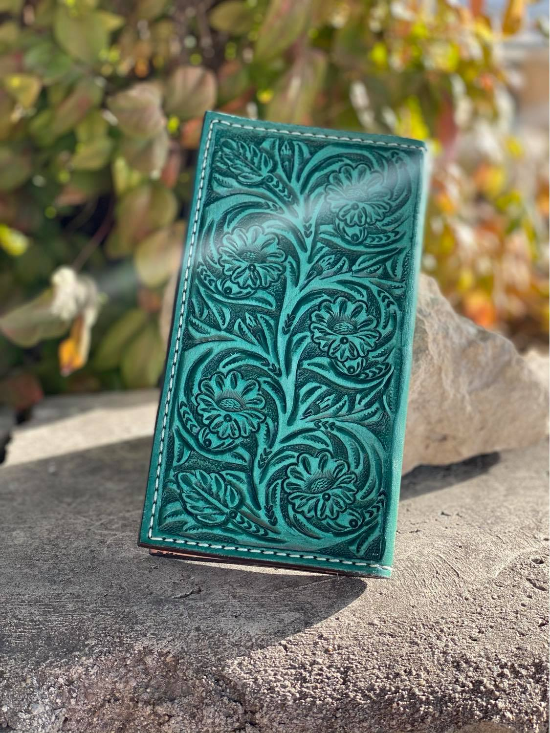 Bi-Fold turquoise floral tooled wallet
