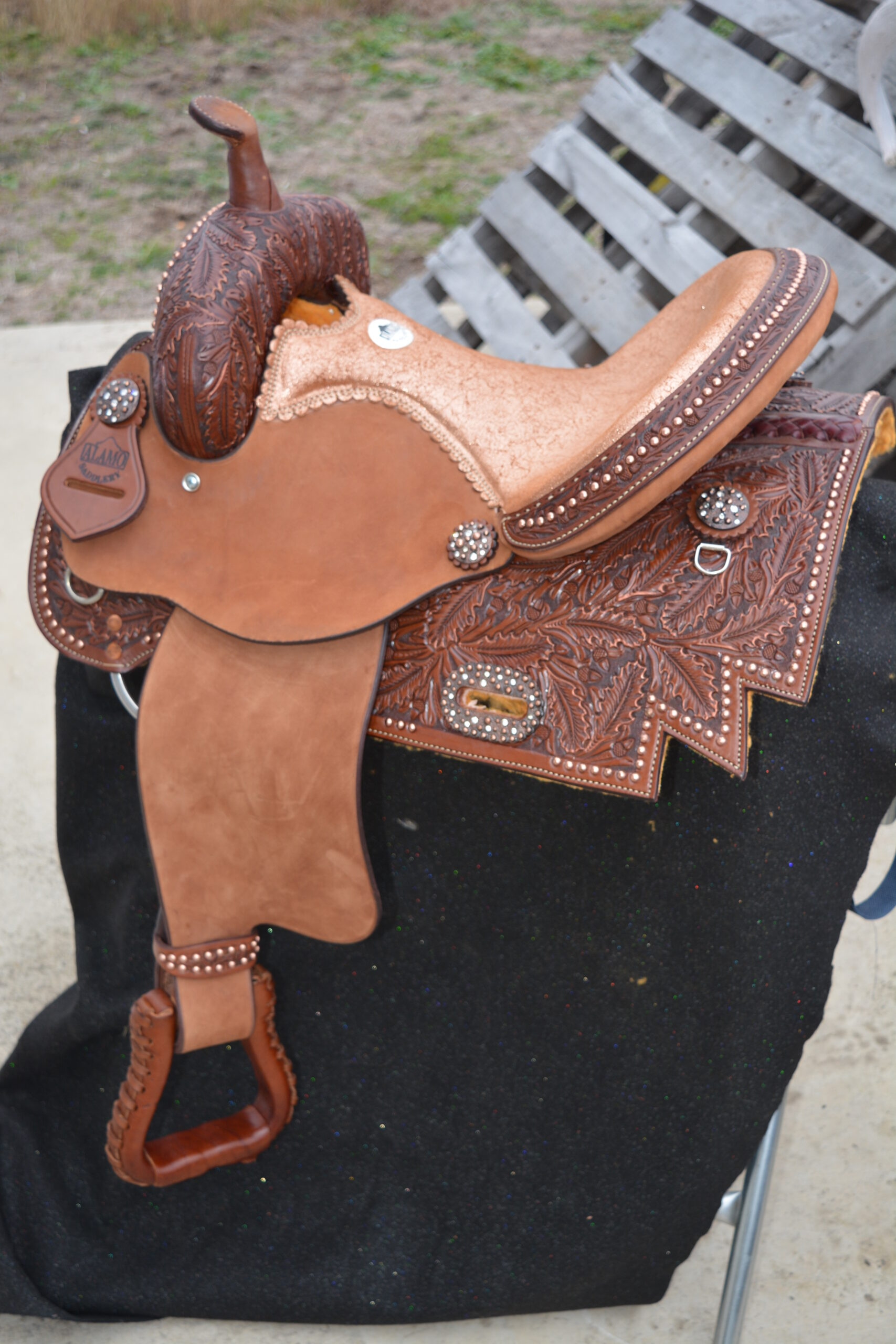 <p><b>PRE-ORDER ONLY</b></p> 0217 Copper crackle seat BARREL SADDLE