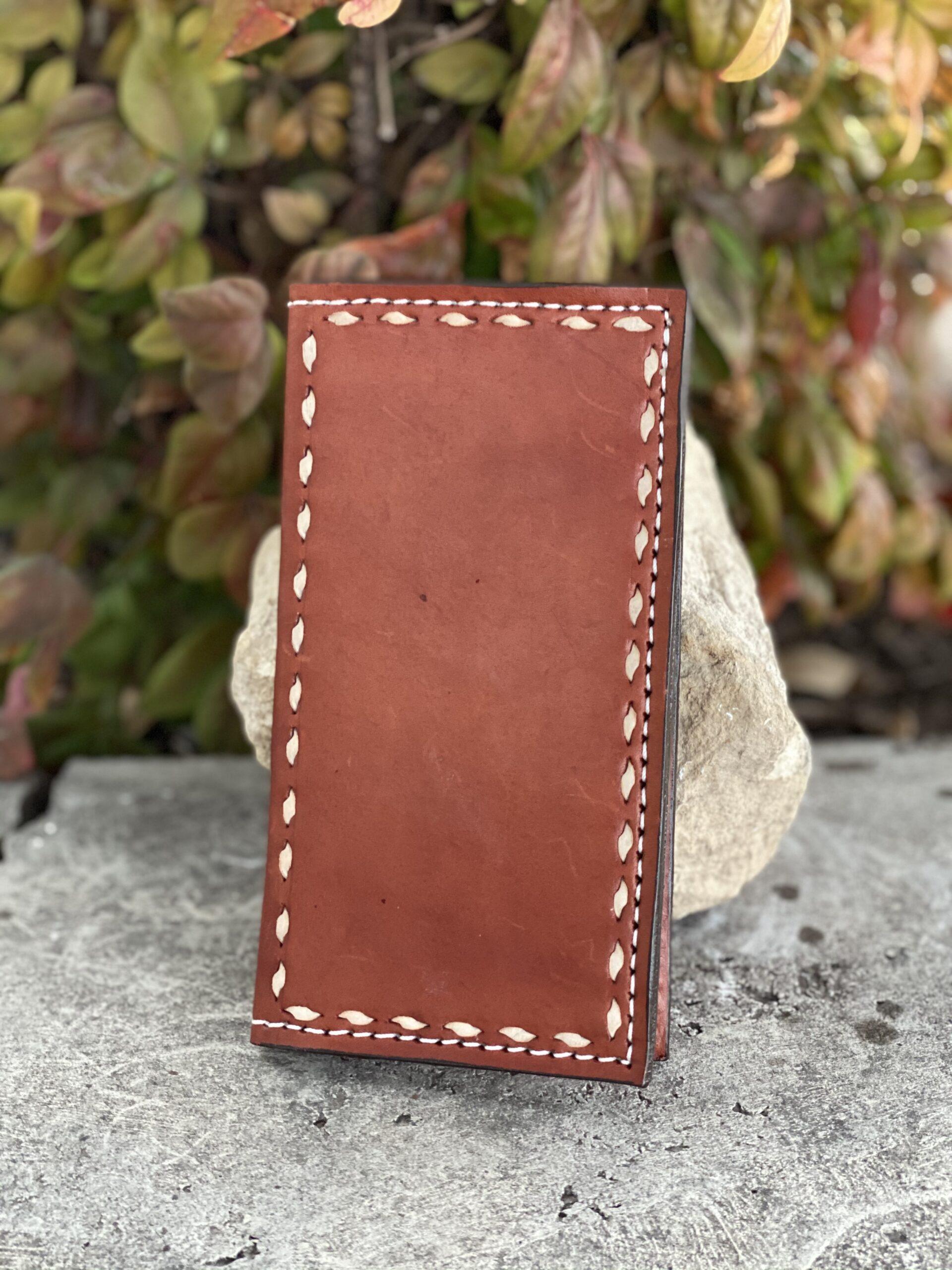 Bi-Fold buckstitch border toast wallet