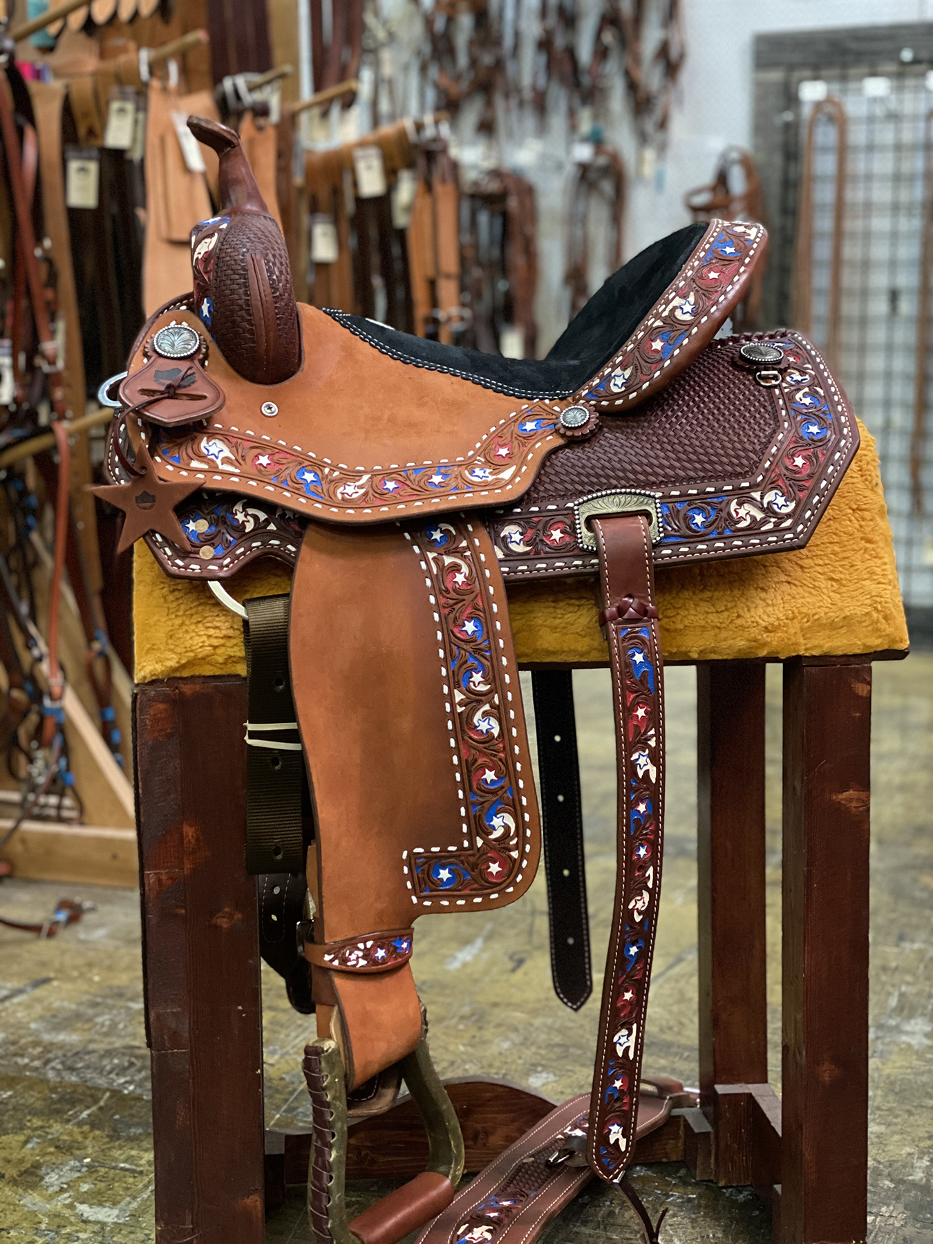 <B>15in</B><p>USA Barrel Saddle</p>