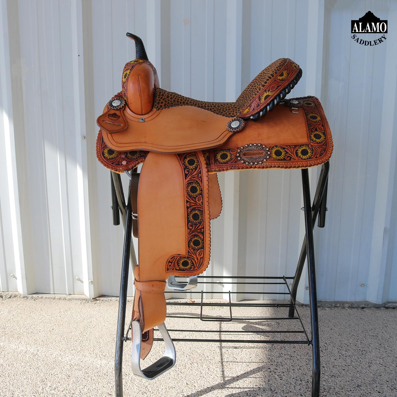 <b>15in</b><p>Sunflower border barrel saddle</P>