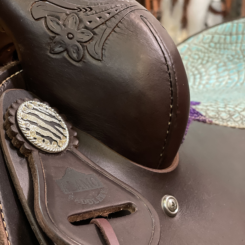 <p><b>PRE-ORDER ONLY</b></p>Pleasure saddle chocolate leather