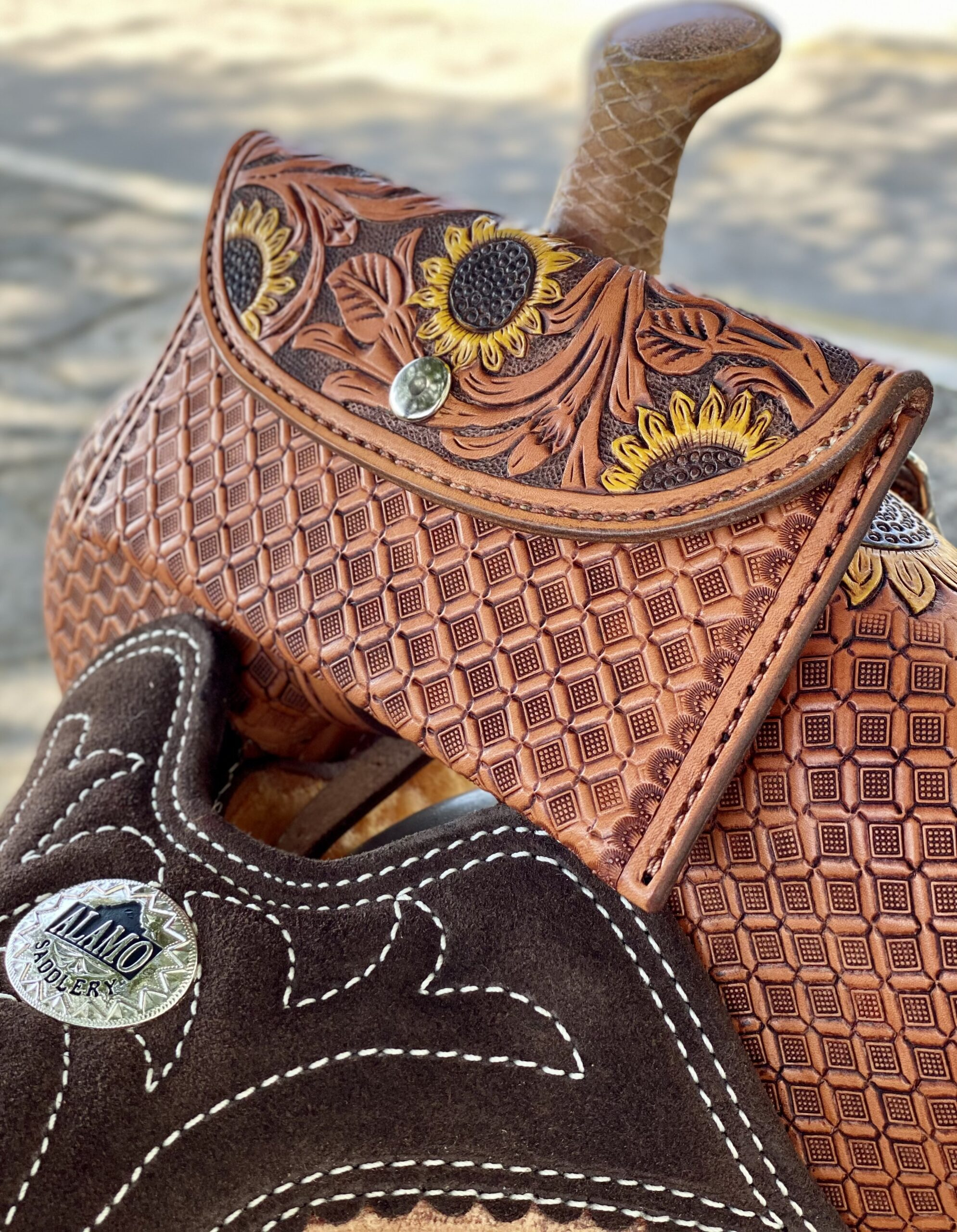 Sunflower Saddle Sack