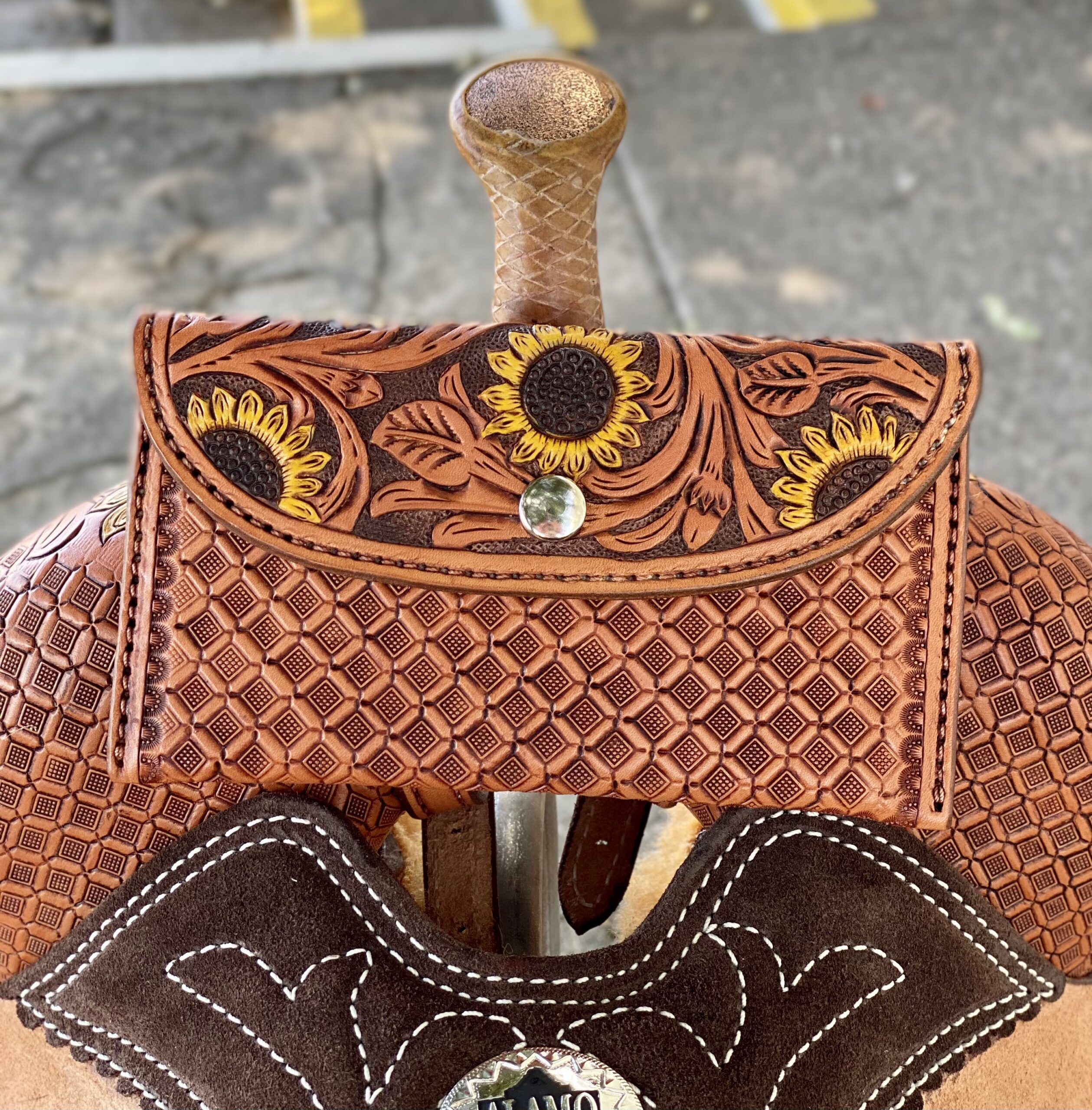 <p><b>PRE-ORDER ONLY</b></p>Pleasure Sunflower saddle