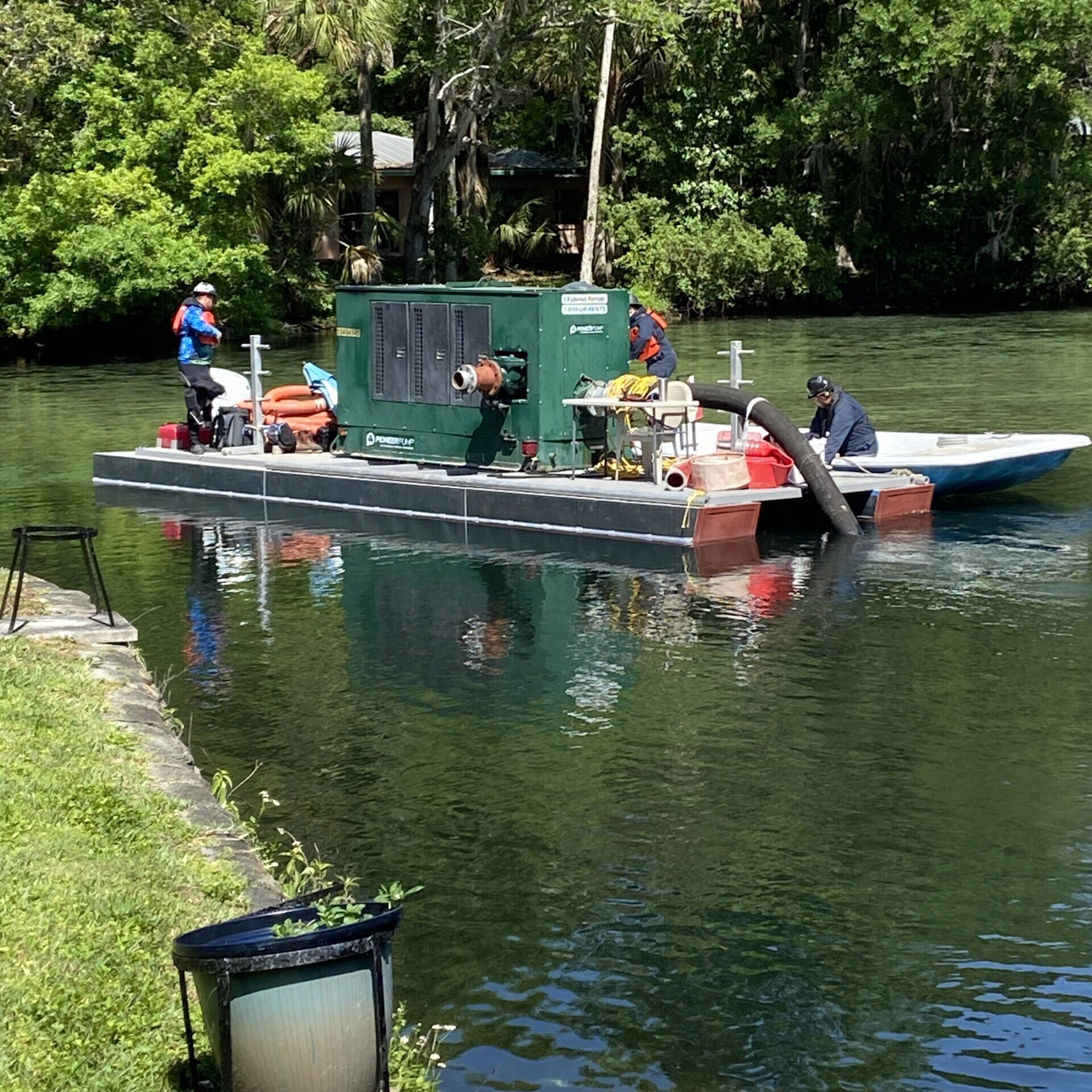 barge, divers, pump