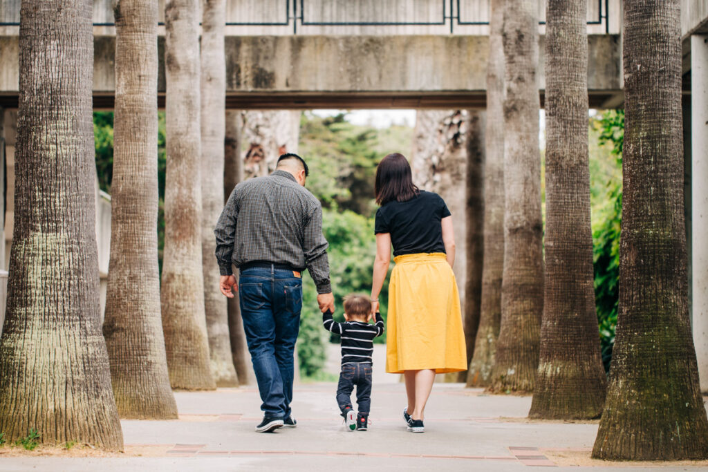Family photography in San Francisco. Celebrating first birthday at SF Zoo.