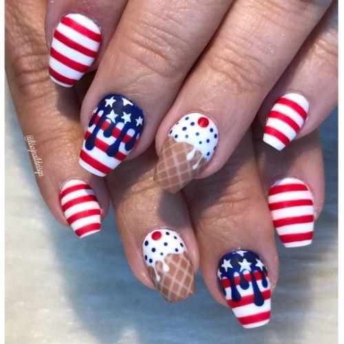 manicura patriota para el 4 de julio