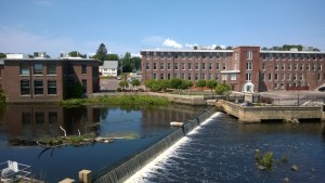 ipswich river dam / waterfall view from deck