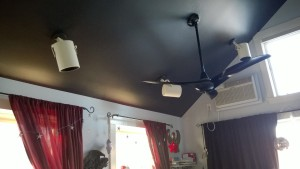can lights on the girl cave ceiling