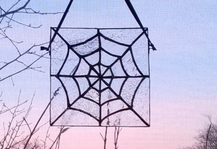 Stained Glass Spider Web – Part 3