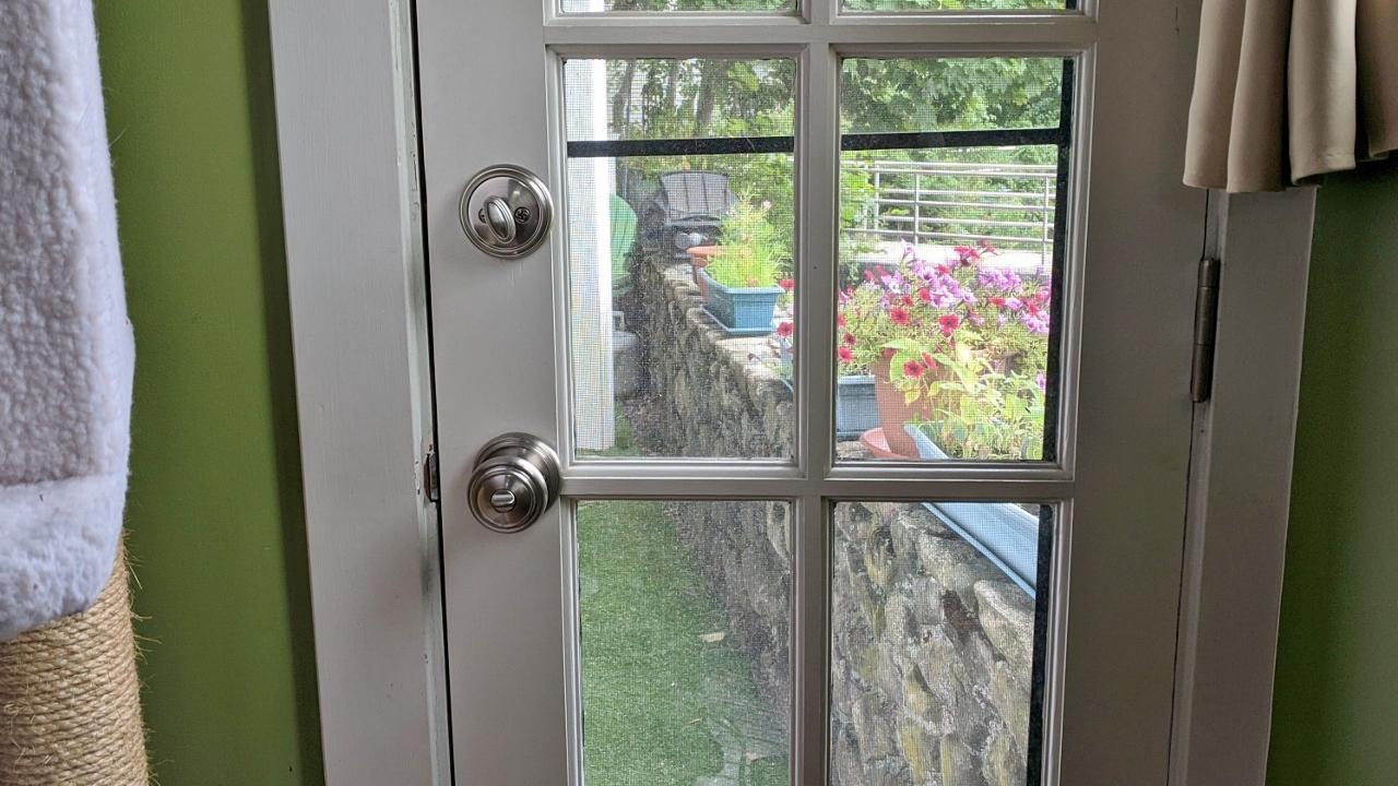 Doorknobs & Hinges – Part 3