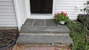 i used polyblend grout renew in charcoal to cover slate mortar stains