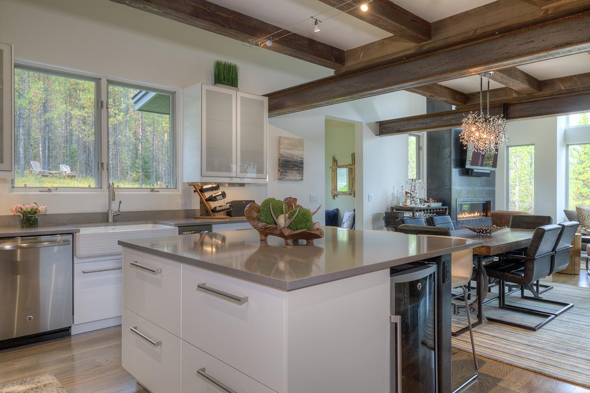 215 Grey Owl kitchen8