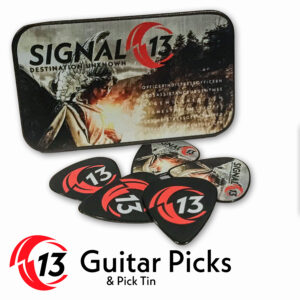 GUITAR PICKS & TIN