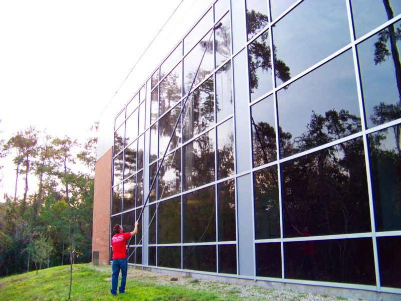 4 story commercial building window cleaning