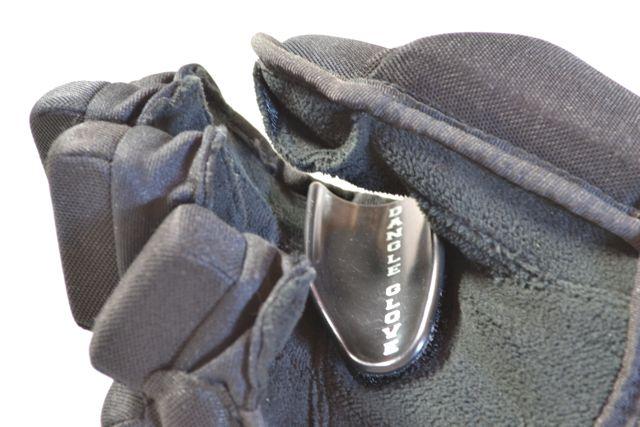 Dangle Glove Hockey Stickhandling Aid