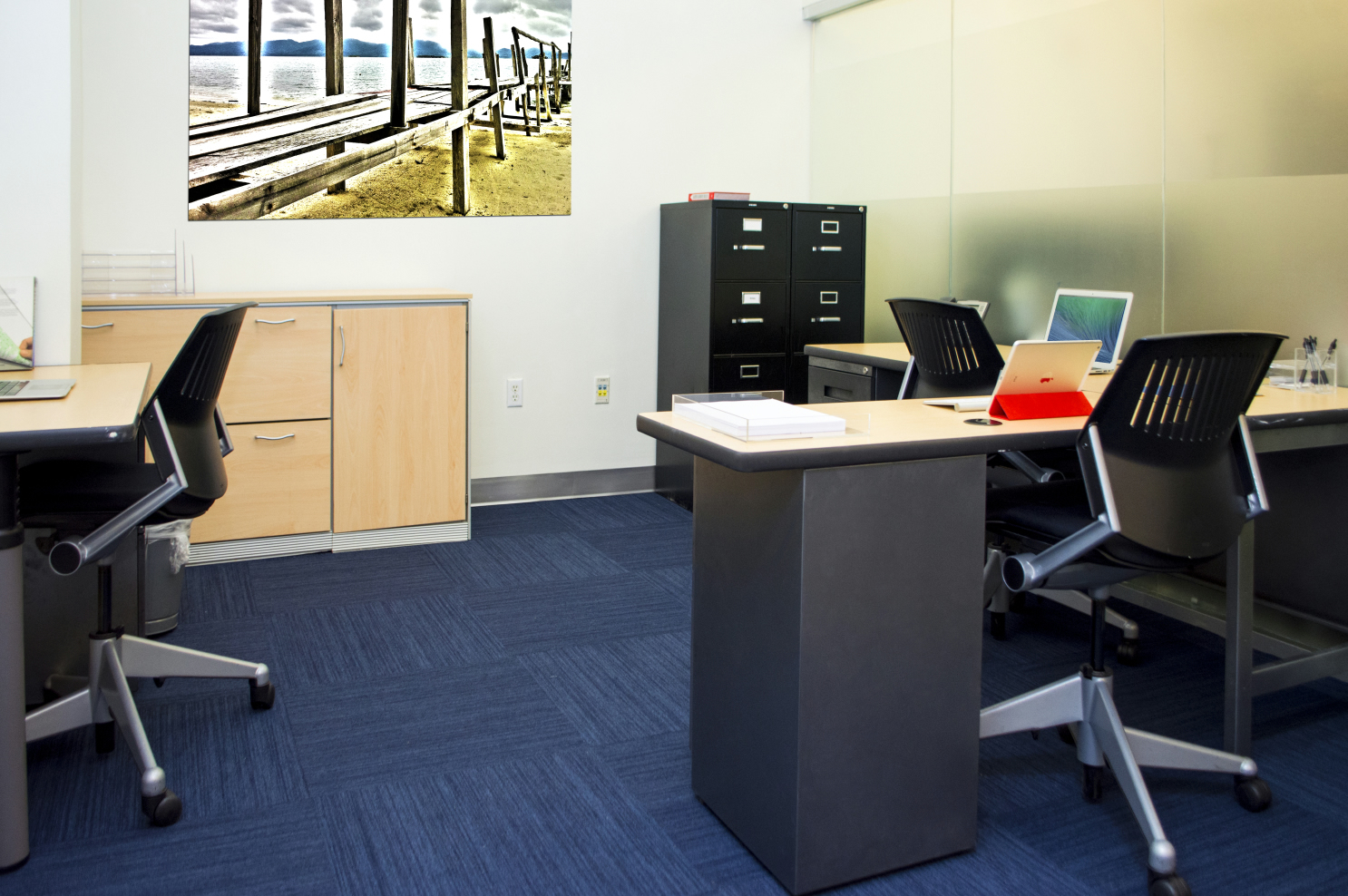 interior office w picture
