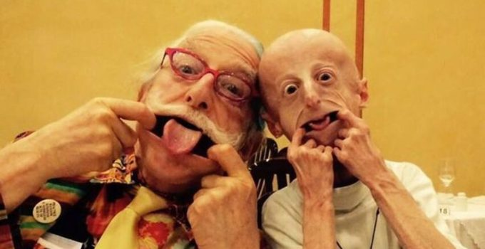 The True Story Of The REAL Patch Adams: One Of The Greatest Activists In History (With Video)