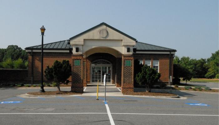 Exterior photo of Stewartsville Library