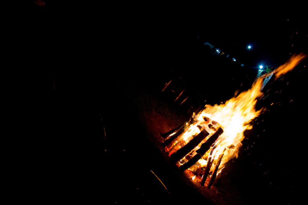 Bonfire-worship music (more on that below) rolls, marshmallows and laughter are all part of this fun evening
