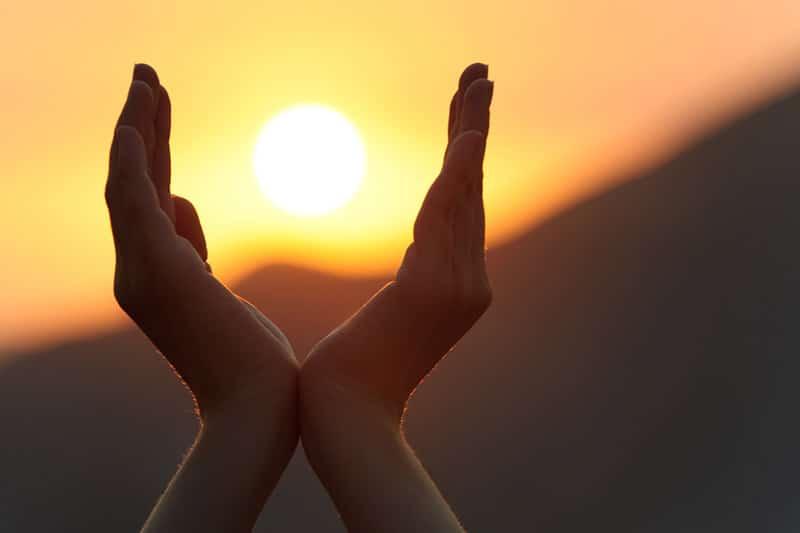 sunrise-hands