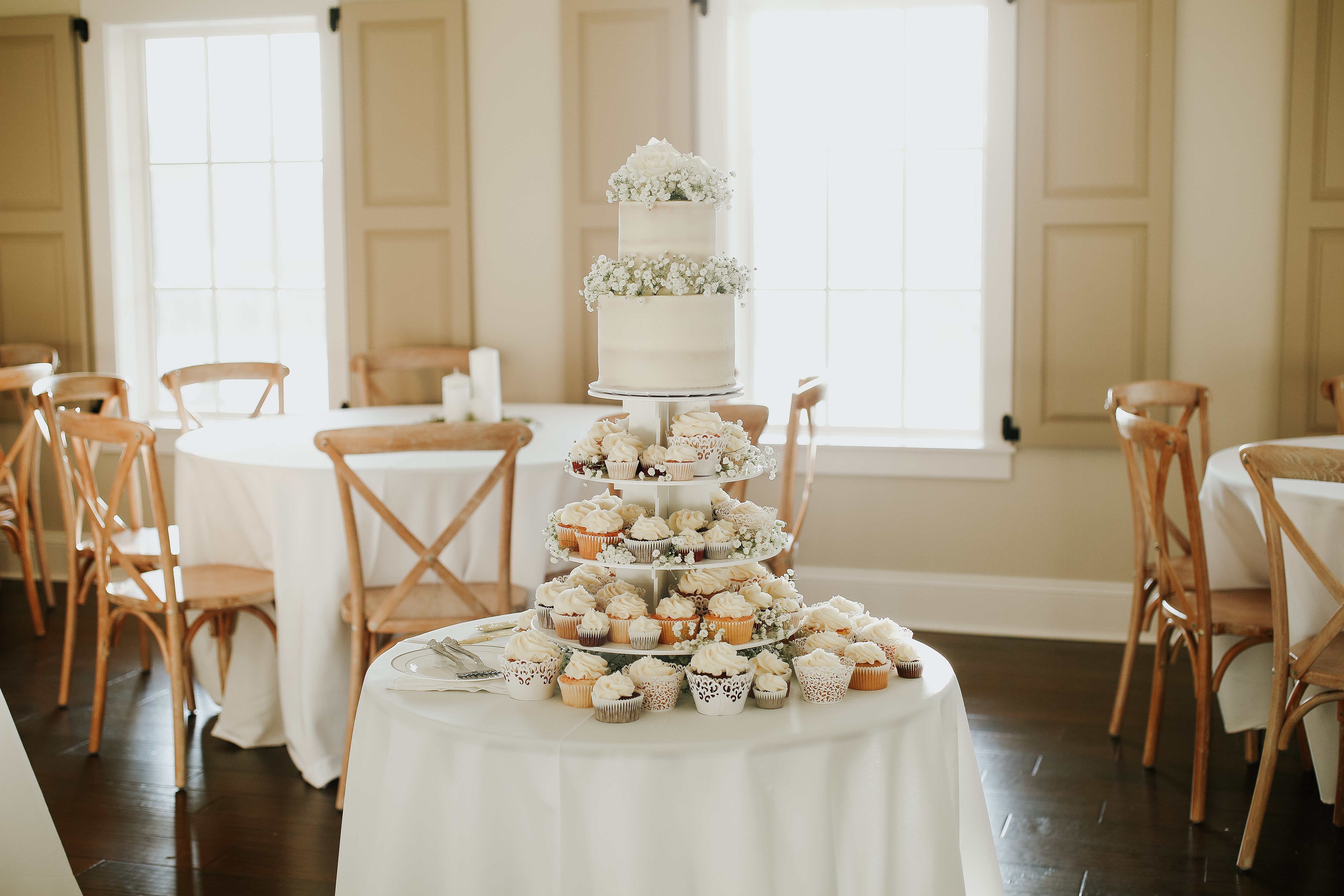 Wedding Cake in the TreeHouse