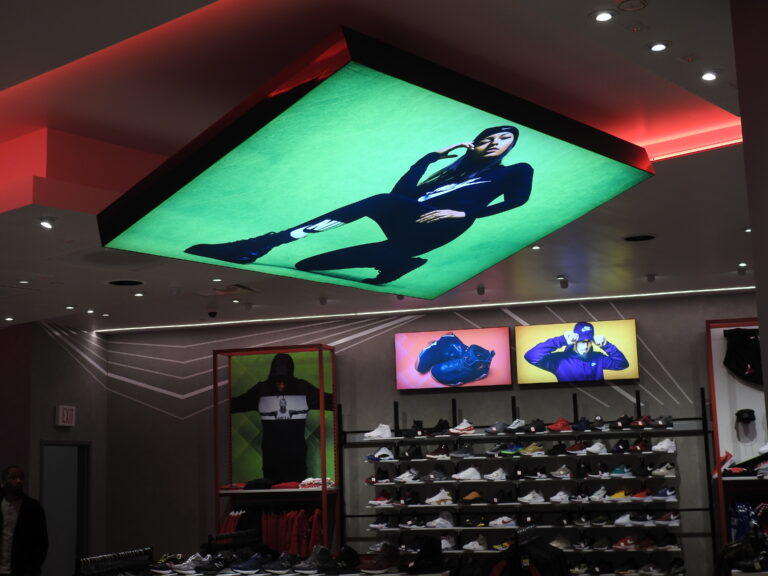 Bright Display™ Lightboxes, lightbox, light box, retail, displays, signage, advertising, Gable, visual solutions