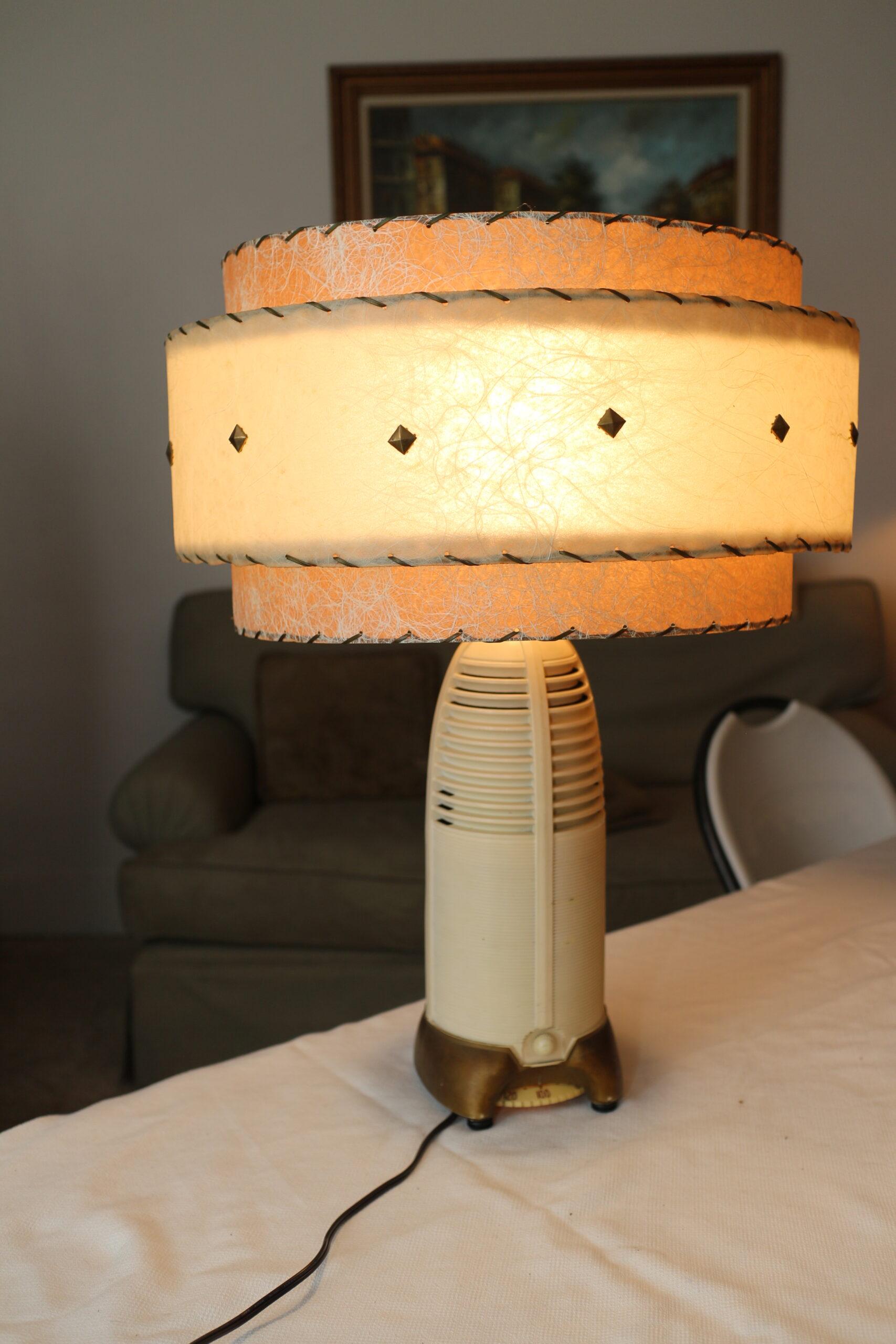 PARS Lamp Radio