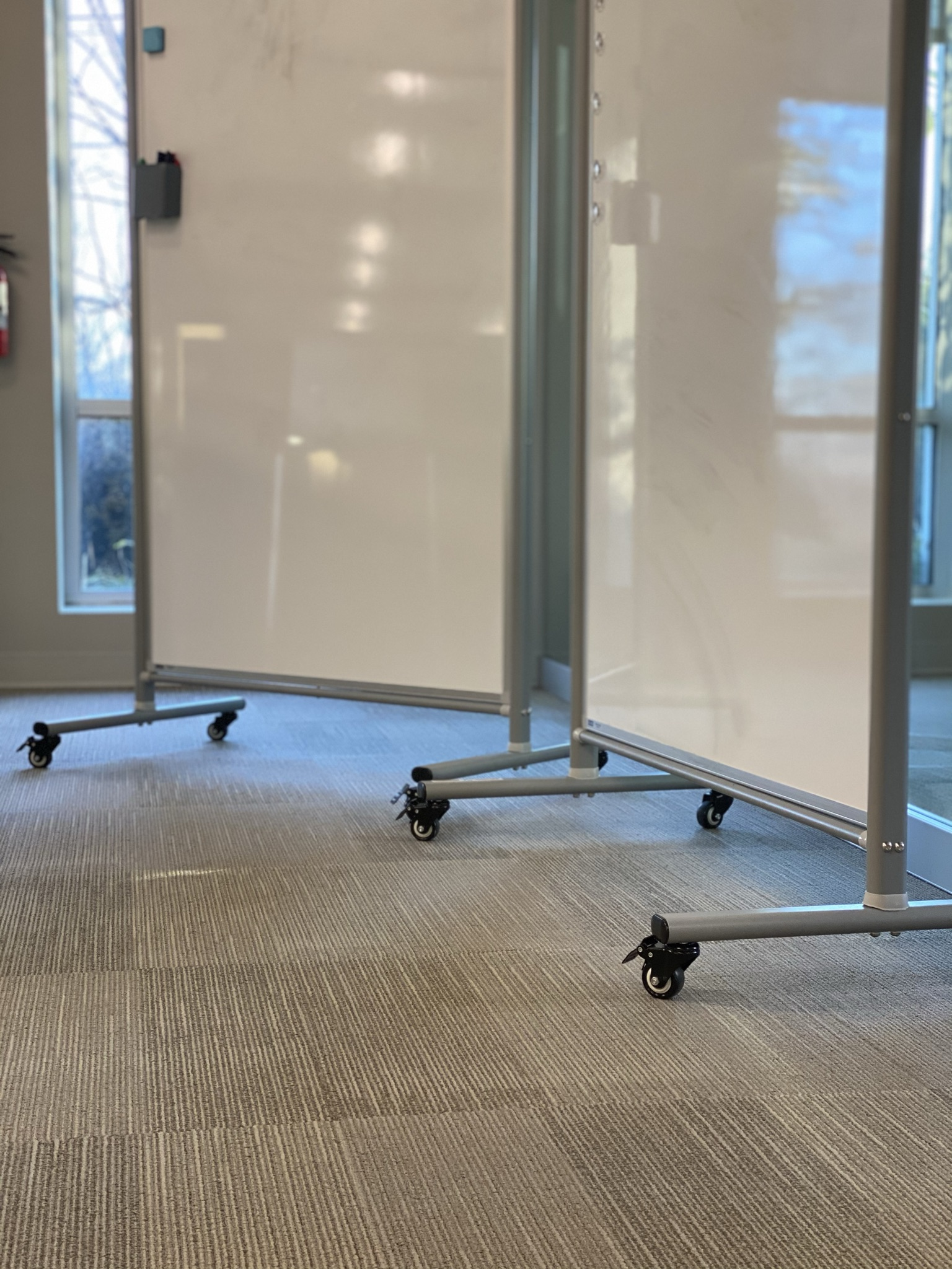 Agile Workspace - Movable Whiteboards On Wheels