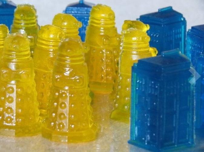 Bue Tardis and Yellow Dalek Jigglers
