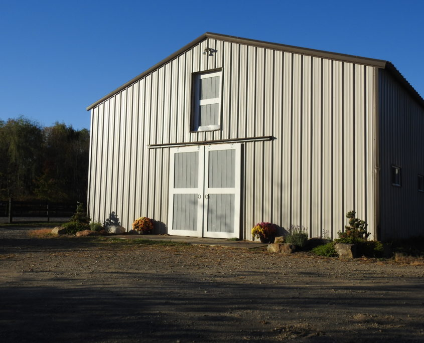 photo of the barn at Trinity Equestrian center