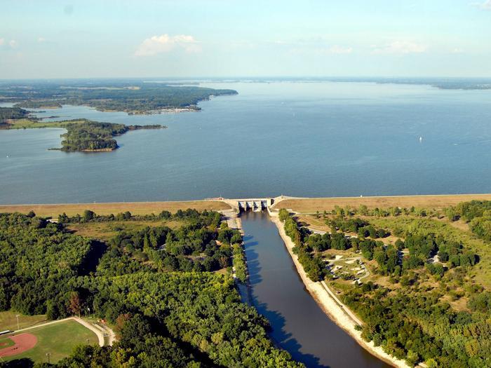 panorama of karlyle lake