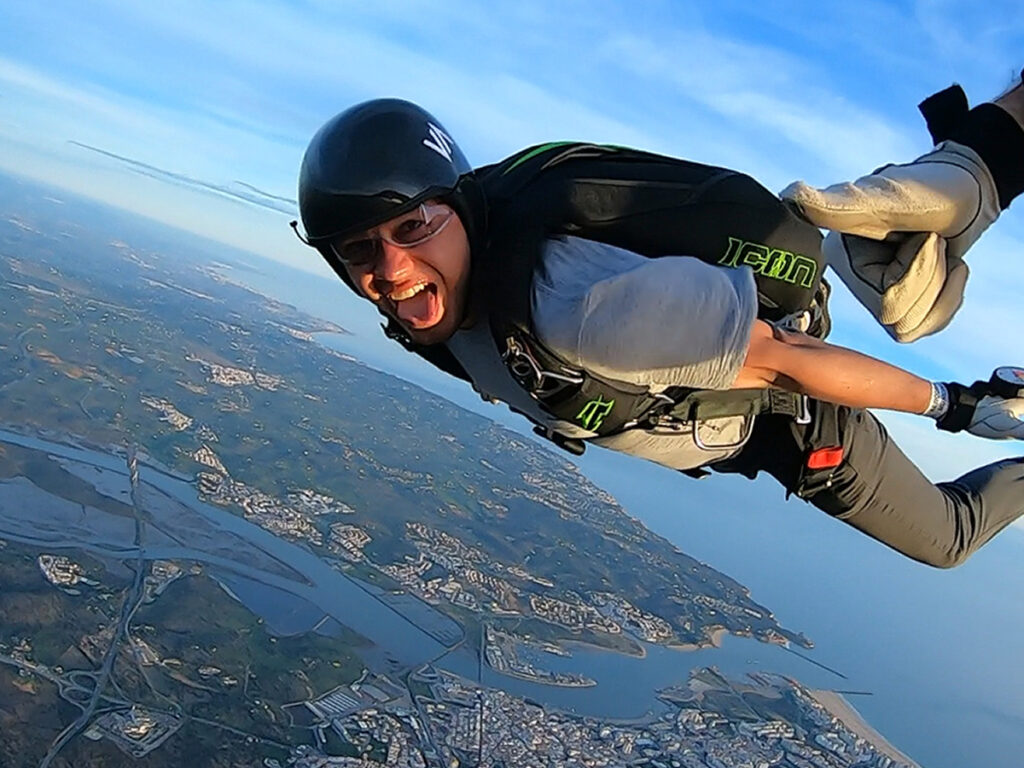 4 reasons why you must try skydiving