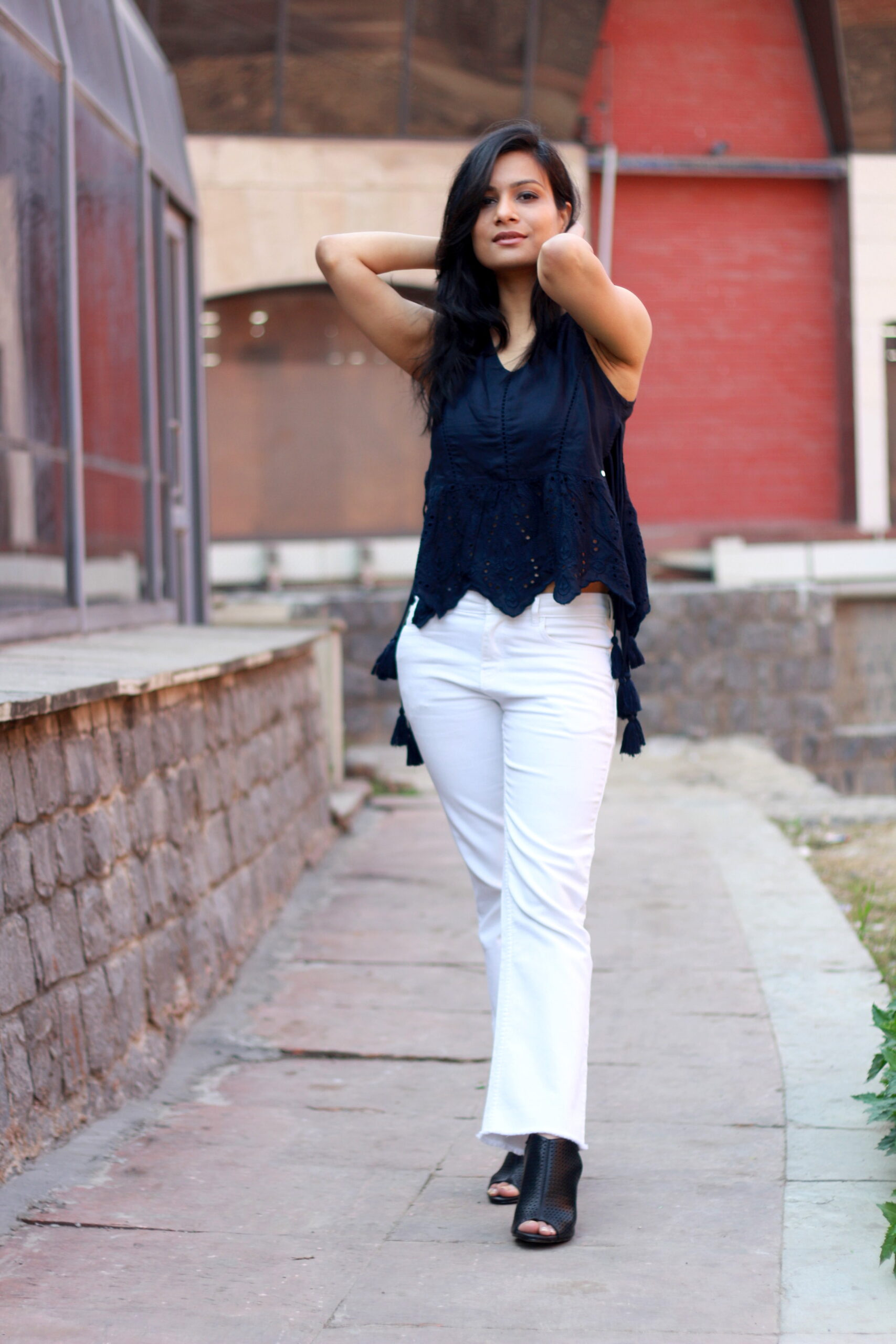 white jeans outfit womens