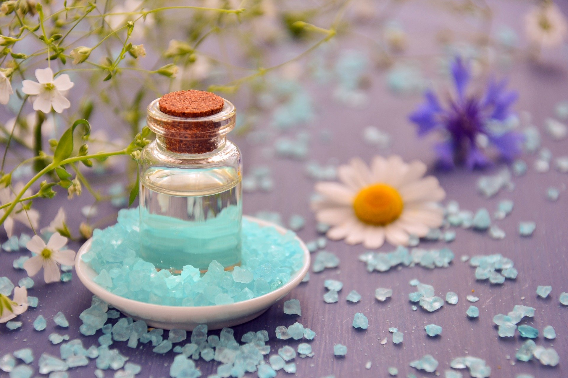 How to Use Essential Oils for Hair & Skin – The Ultimate Guide