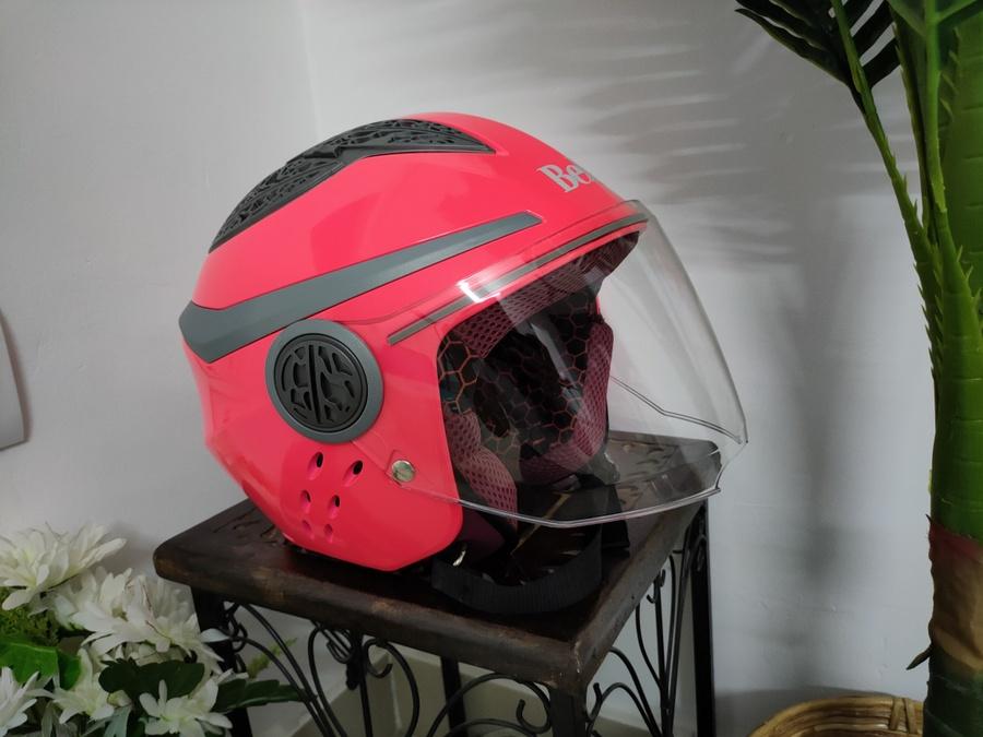Ride in Style With Steelbird Ladies Helmets