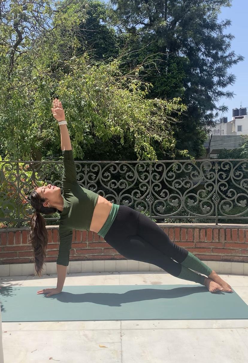 Power-yoga-trikona-asana