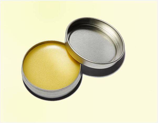 12 Lip Balms to Take Care of Chapped Lips