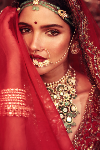 Bridal Beauty Edit of the Nooraniyat Collection by MyGlamm.
