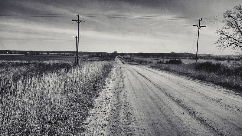 dirt_road_black_and_white