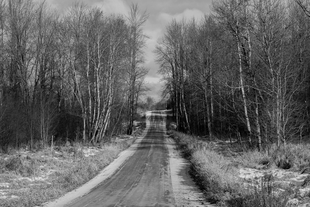 bw_cold-snow-road