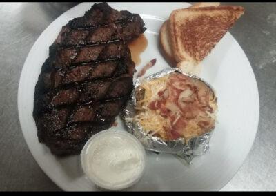 Hollars-Bar-Grill-Best-Food-Quad-Cities-Illinois (7)