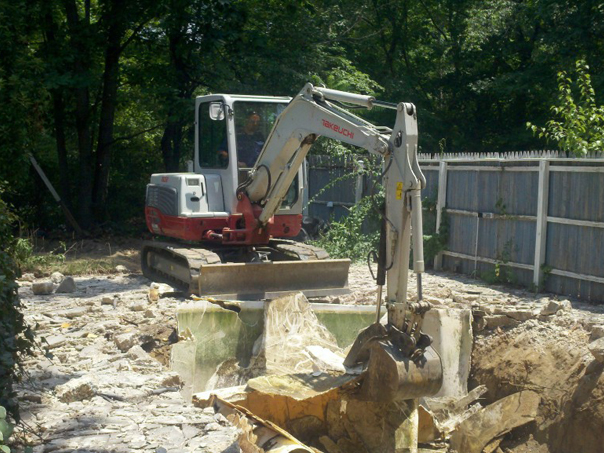 Carroll Bros. Contracting Fiberglass Swimming Pool Demolition - Severn, MD