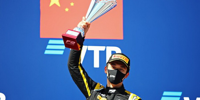 F-2: Zhou vence a encurtada prova #2 em Sochi