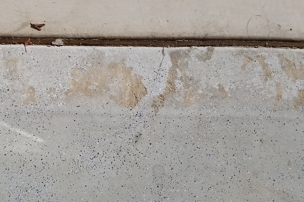 example of cracked epoxy floor coating