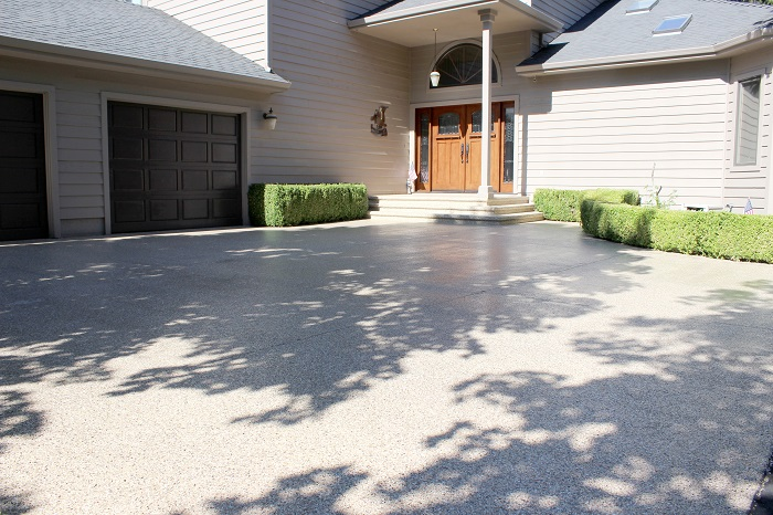 picture of a concrete driveway that has been coated with polyurea