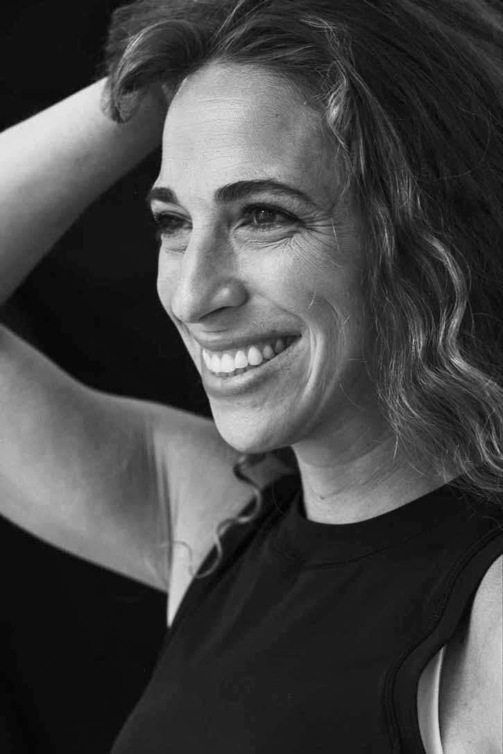 Lara Land Front page bio pic in Black & White