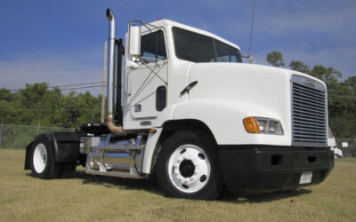 2000 Freightliner FL112 Single Axle Daycab – Featured Used Truck